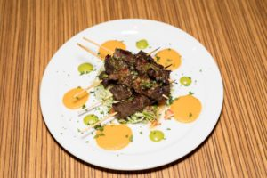plate of alambres mini skewers from Acenar