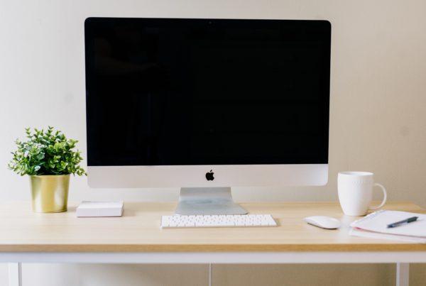 MAC desktop computer with modern decor